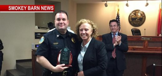 Springfield Police Captain Receives Champion For Recovery Award